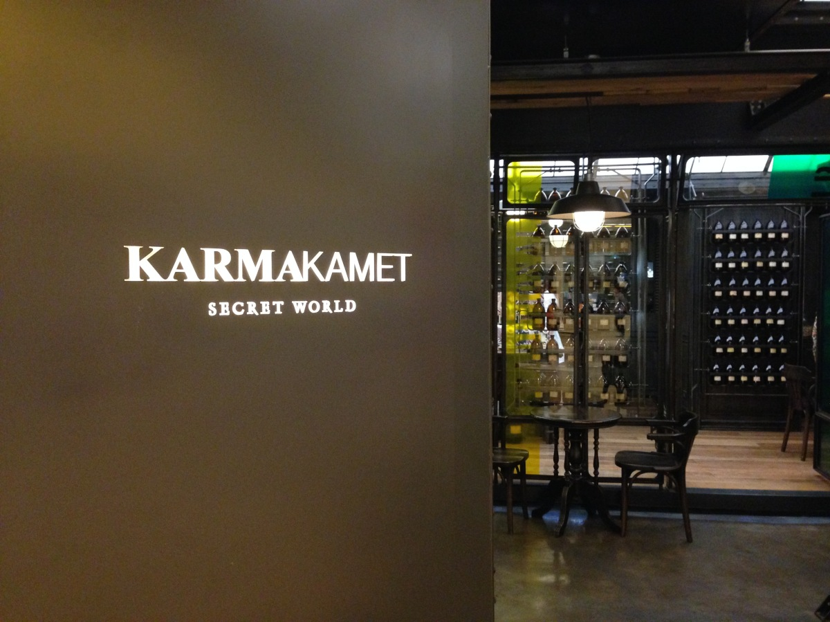 Karmakamet 一定是泰國人的陰謀,每到曼谷就吃掉我不少泰銖