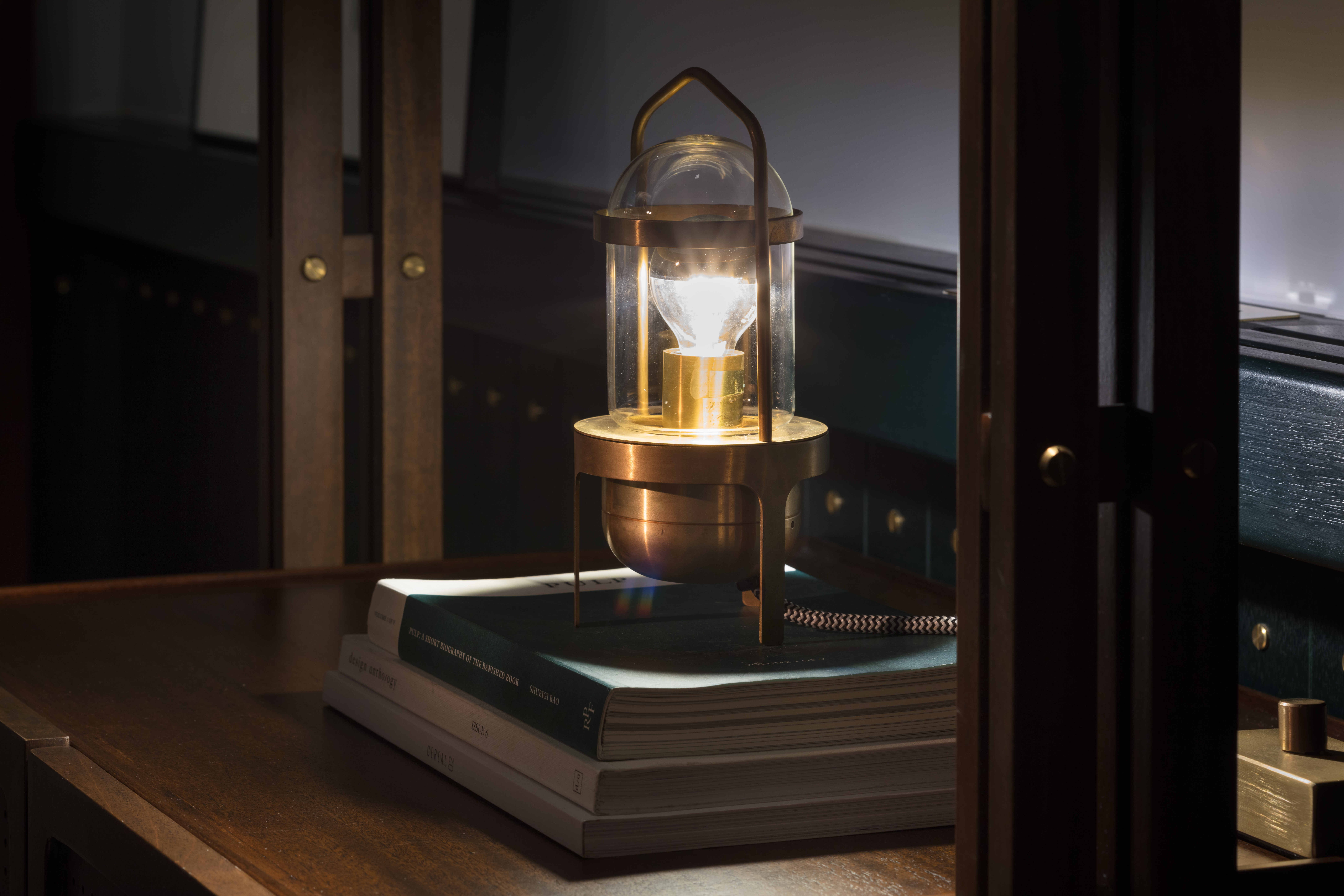 The Fleming - Room Lamp_2