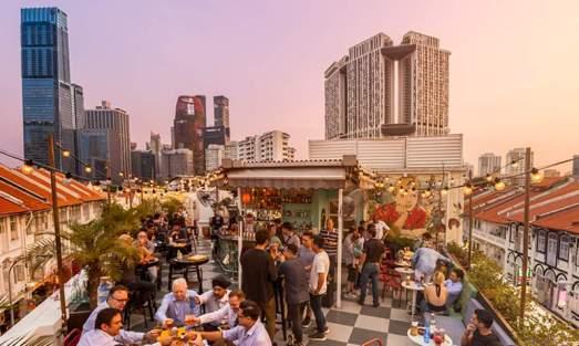Singapore-Rooftop-Bar-Restaurant-Skyline1-6h1bp2ybgog52icuawq9rvjkrfzd97lxs08ph384z35.jpg
